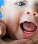 تب دندان درآوردن نوزاد، علتش چیست؟