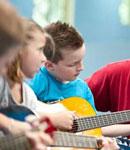 موسیقی با کودک شما چه می کند؟