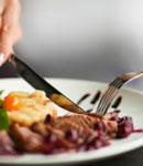 قانونهای عجیب غذا خوردن در کشورهای مختلف!