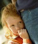 با بچه خجالتی چگونه رفتار کنیم؟