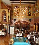 فضای سنتی رستورانها